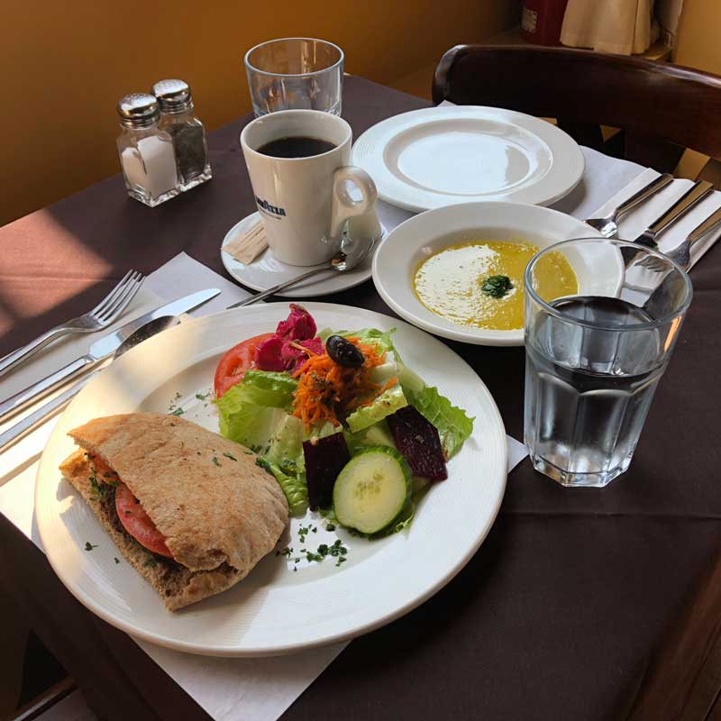 Lunch Toucheh Restaurant